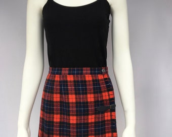 Punk plaid Pendleton wool miniskirt with buckle and oversized saftey pin - 10