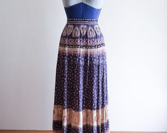 80s / 90s rayon crinkle BOHO ethnic pattern long flowy skirt sz. Small / Medium
