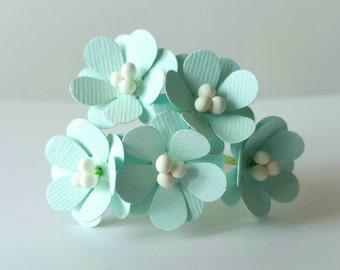 Mint green paper flowers / mint paper flowers / mint green decor / mint green wedding / mint green / mint green party decor