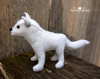 Arctic wolf, white wolf, small stuffed wolf, felt wolf, soft toy, animal gift, stuffed felt animal