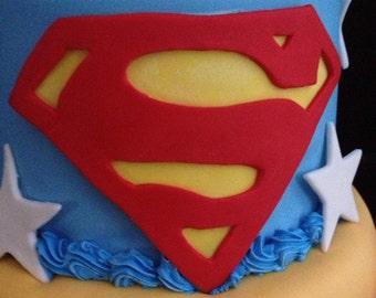 Sugarpaste/fondant Superman emblem