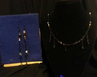Black and gold Jewelry Set