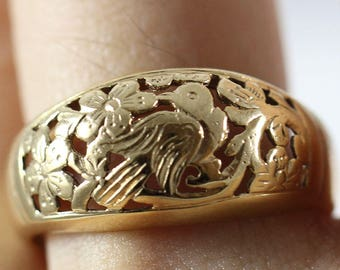 Ming's Hawaii Bird in Plum 14k Yellow Gold Dome Ring (Size 8)