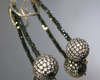 """elegant pendant earrings in black """"spinello"""" and silver."""