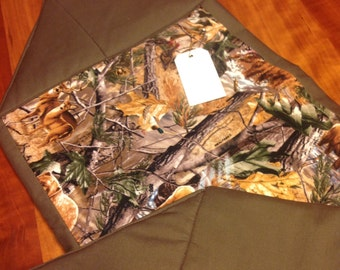 Realteee with Wildlife Reversible Table Runner ~ FREE SHIPPING !!