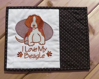 Mug Rug, Mini Quilt, Quilted Mug Rug, Mouse Pad, Table Accent, Beagle