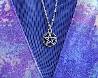Sterling Silver Pentacle Necklace on a 15 Inch Chain MTSSPN8601
