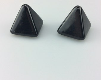 Pyramid Shape Salt & Pepper Shaker