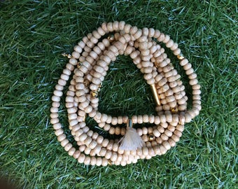 Long necklace in wood and beads or gold charms