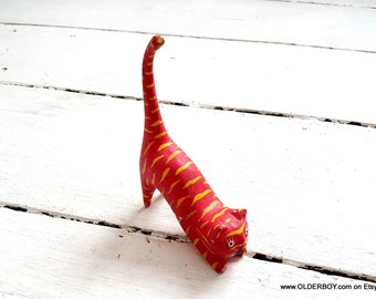 Wooden CAT figurine Red cat Pink Kitty red orange yellow wooden lazy cat figurine vintage collectible decorative cat vtg K06/461