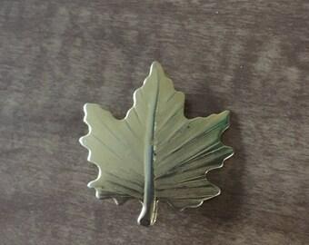 Golden leaf broche