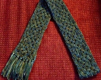 Aberdeen Castle Braided Cable Scarf Crochet Pattern for Men and Women PDF download