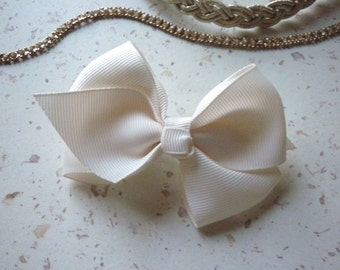 hair clip hair bow tie beige - 9 cm in length (3.54 inches)