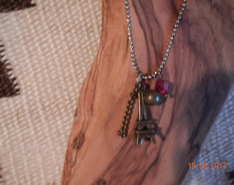 Whimsical Gold-tone Eiffel Tower Necklace/Matching Earrings