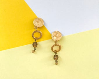 Vintage petite gold tone hammered dangle earrings (1990s)
