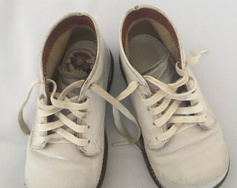 Vintage Buster Brown Baby First Walking Shoes, Vintage Baby Shoes