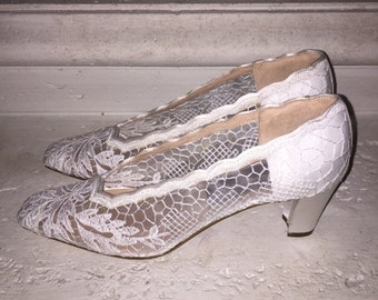 EVERYTHING ON SALE Joel Parker ~ New Vintage White Lace Pumps ~ Size 9 1/2 Aaa
