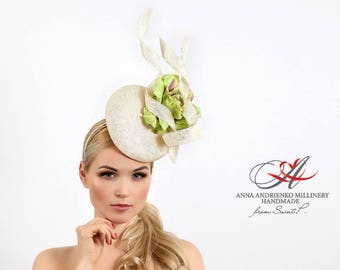 Beige Pistachio Fascinator mini hat, Sophisticated Melbourne Royal Ascot Derby hat, Wedding quest hat, evening party dress hat