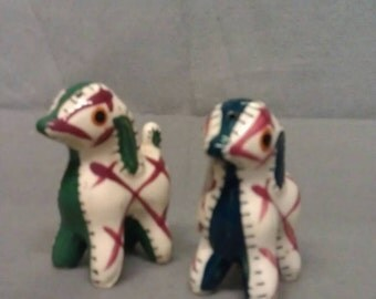 Horses ? Animals Maroon Beige and Green Salt and Pepper Shaker Set