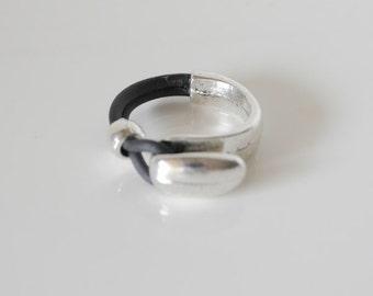 Middle part zinc alloy ring