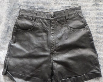 leather short/black leather short/ladies leather short/women leather short/turn up leather/waist 28/ short/high waist leather short
