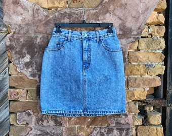 Vintage GUESS by Georges Marciano Light Wash High Waisted Denim Pencil Skirt | small | 26