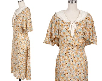 Sweet 1930's Vintage Volup Floral Printed Summer Dress with Stunning Cape Sleeves