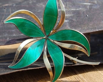 Norway Green Guilloche Enamel and Sterling Silver Flower Brooch/Pin
