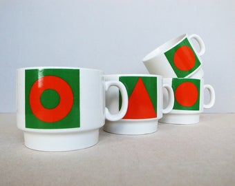 Italian Vintage Modernist Design Circle Triangle Square Mug by Weidmann Porcelain / Porzellan Geometric Red / A Set of 4