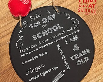 Personalized 1st day of school hanging plaque.