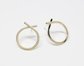 E0113/Anti-Tarnished Gold Plating Over Brass +925 sterling silver/Knot Circle Stud Earrings(Ready To Wear)/15x17mm/2pcs