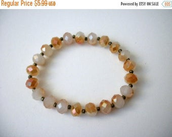 ON SALE Retro BOHO Etched Earthy Faceted Plastic Beads Bracelet 31217