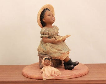 """Miss Martha's Collection. Hallie. """"Sing Praises to the Lord"""". In Original Box with Certification. 443182"""