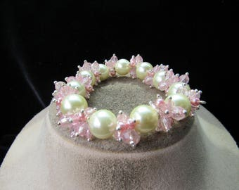 Vintage Chunky Off White Faux Pearl & Pink Glass Beaded Bracelet