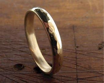 Pebble Hammered yellow gold 3mm wedding ring design band for lady or a man