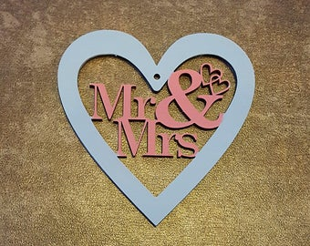 Mr & Mrs Wooden Handing Heart Keepsake