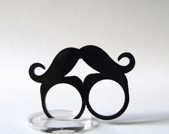Ring mustache