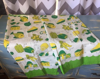 Vintage kitsch yellow and green kitchen cafe curtains