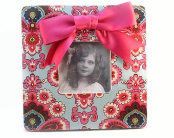 Picture Frame, Damask, Girl's Room Decor, Photo Frame, Wood Frame, Square Picture Frame, Frame With Bow, Country Decor, Housewarming Gift