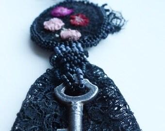 Victoriana pendant, antique key, lace pendant, victoriana, historic wear, lace wear