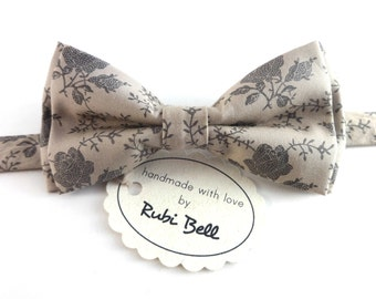 Bow Tie - floral bow tie - wedding bow tie - light grey bow tie with grey flowers - man bow tie - flowers bow tie - men bow tie