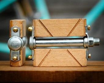 Bicycle pedals custom wood. For urban bike, single speed, beach cruiser ... Bike parts