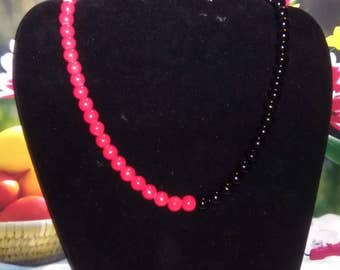 Side to Side red and black necklace