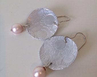 Handmade earrings engraved aluminium