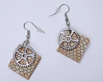 Earrings gears with leather in pink and snakeskin embossing in silver-tone earrings earrings jewelry hanging earrings steampunk gear