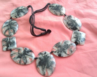vintage marble effect plastic bead necklace
