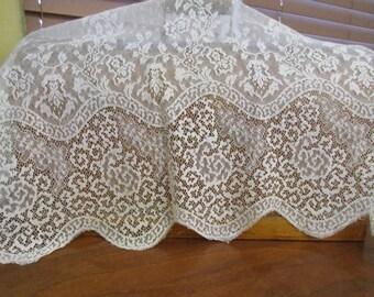 Vintage lace, wedding veil, crafts, vintage weddings, decorating, rustic weddings