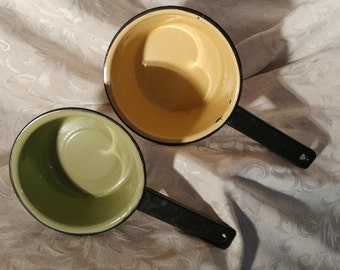 VTG pans Granite yellow and one green / VINTAGE Cookware enamelled dish of Granite /VTG / Green Enamel pot / Yellow Enamel Pot