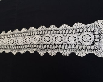 Ivory Lace Rectangular Table Runner.  Vintage Lace Table Runner. Crocheted Cotton Lace Table Runner. RBT1203