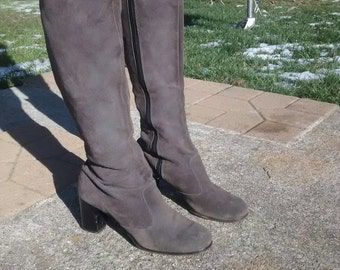 1970s Tall Grey Suede Boots